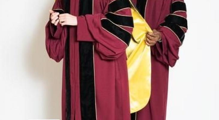 May áo tốt nghiệp, cho thuê lễ phục tốt nghiệp, bán lẻ đồng phục tốt nghiệp, áo cử nhân, áo thạc sĩ, áo tiến sĩ giá rẻ và uy tín